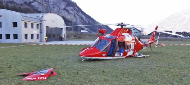 Elicottero D Occasione : Ticinonline atterraggio d emergenza di un elicottero
