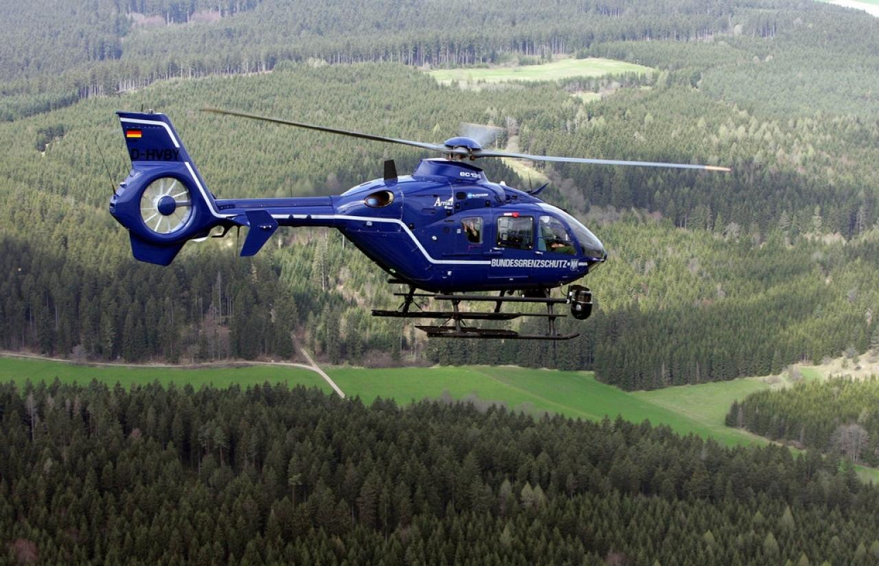 Elicottero Quattro Posti : Ticinonline precipita elicottero della polizia i morti