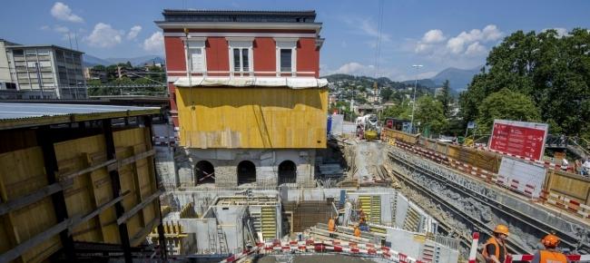 Ticinonline i quattro negozi della nuova stazione di lugano for Negozi arredamento lugano