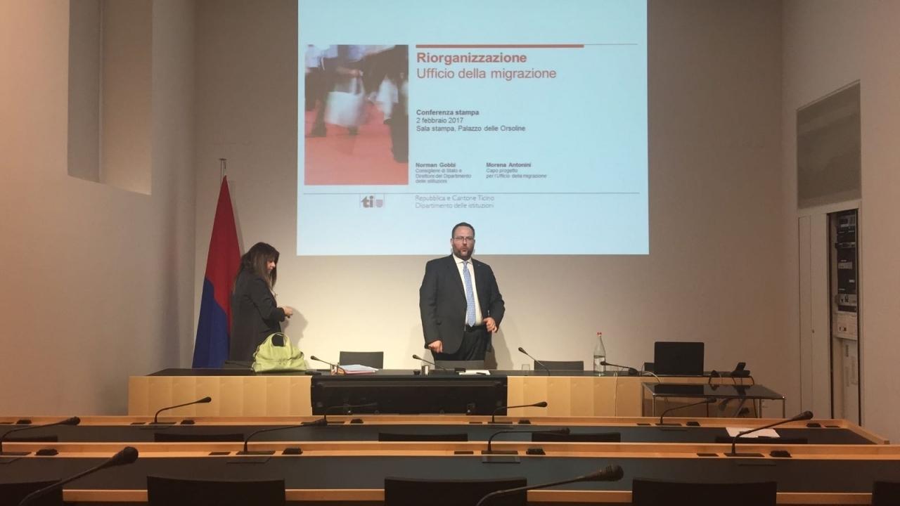 Ufficio Lavoro Locarno : Locarno crolla il soffitto rsi radiotelevisione svizzera