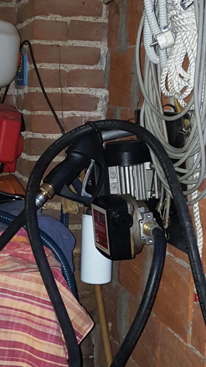 Ticinonline un distributore di carburante nel garage for Costruzione di un soppalco nel garage