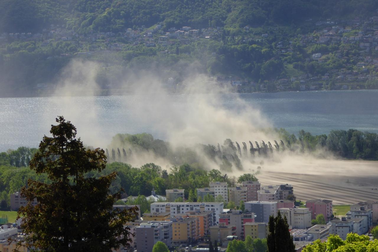 Ticinonline un 39 enorme nuvola di terra sollevata dal vento - Enorme terras ...