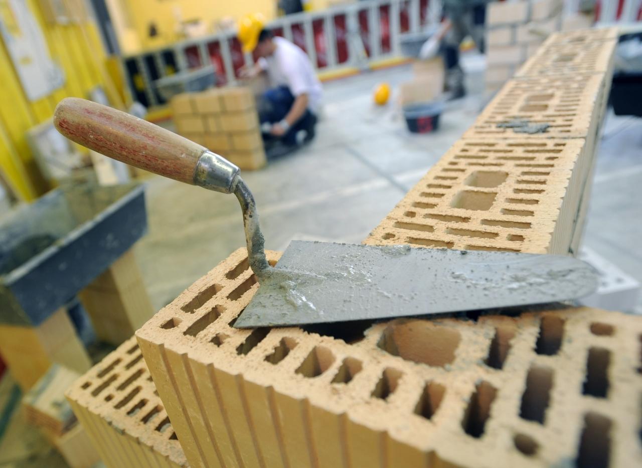 Carpentieri Edili In Svizzera un muratore? 6000 franchi. non hai conoscenze professionali