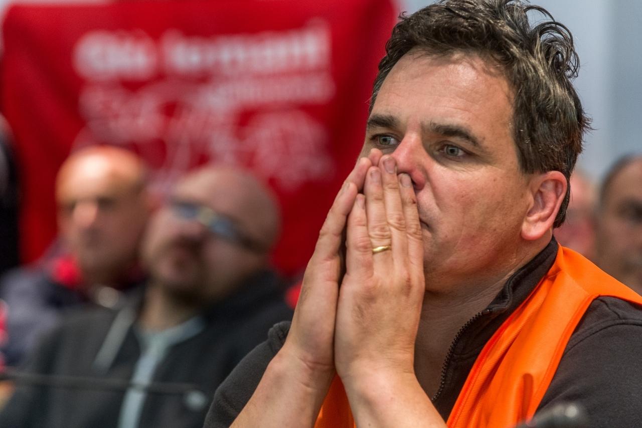Ticinonline a favore dei lavoratori delle officine ecco chi ha aderito alla petizione - Officine immobiliari ...