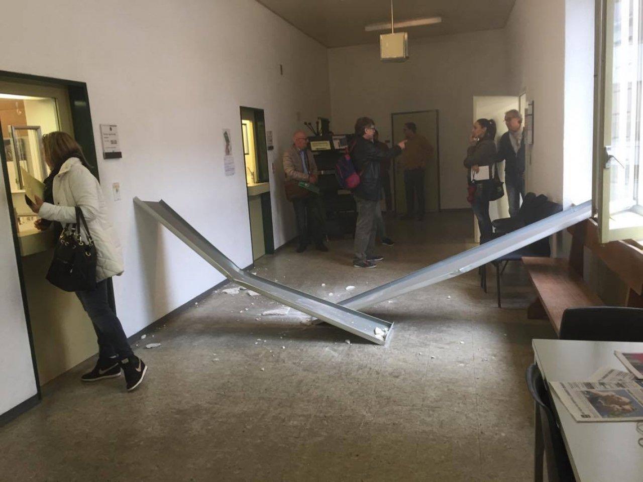Ufficio Stranieri A Lugano : Ticinonline crolla parte del soffitto allufficio stranieri