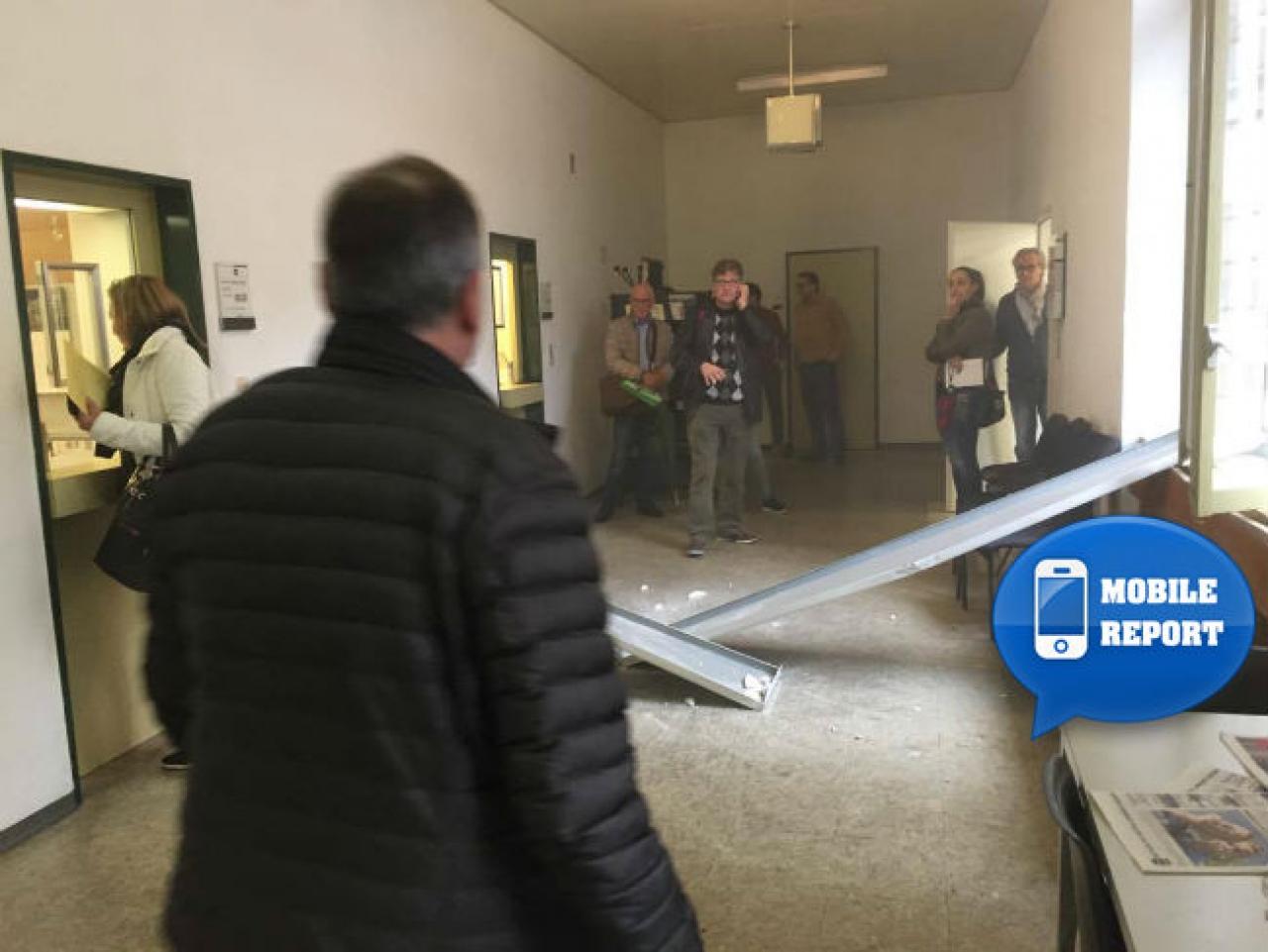 Ufficio Di Tassazione Di Locarno : Ticinonline crolla parte del soffitto allufficio stranieri