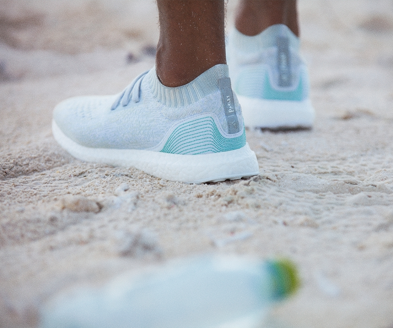 98863db9a3dde Ticinonline - Ecco le prime scarpe di plastica riciclata
