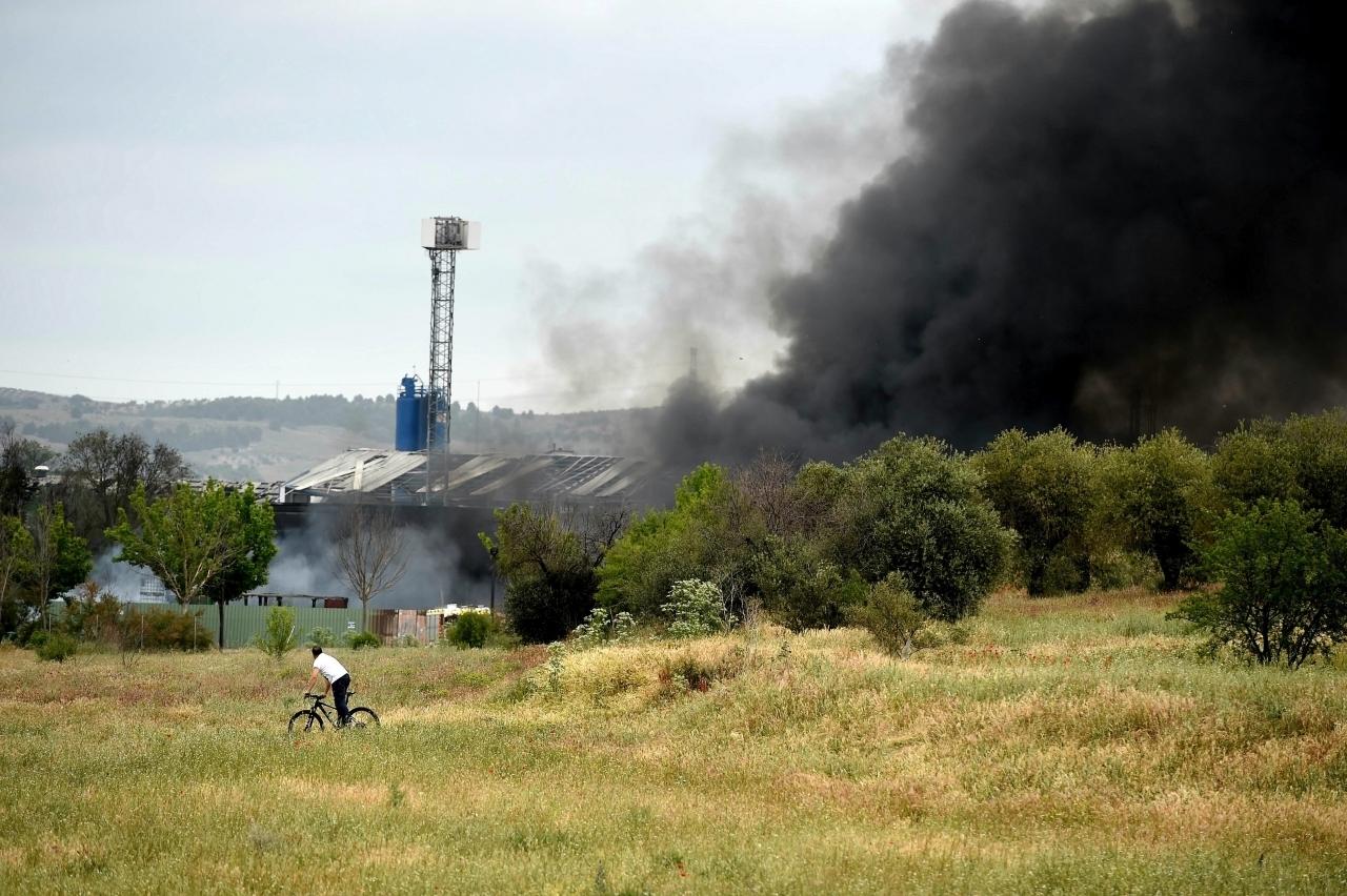 Esplosioni In Un Centro Di Riciclaggio: 30