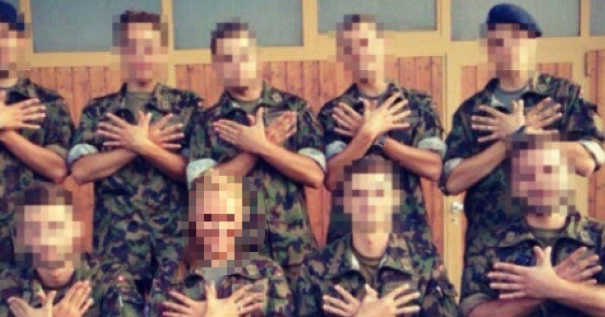 Esercito ufficiale incontri arruolato