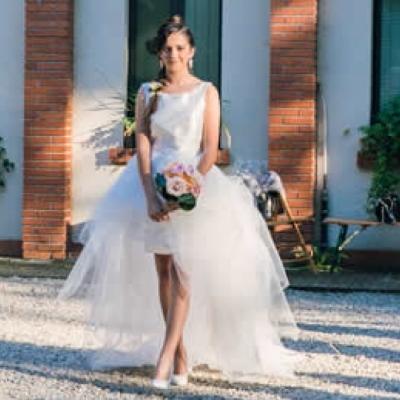 0b5539364374 Ticinonline - Abiti da sposa corti  ecco tutte le tendenze per il 2018