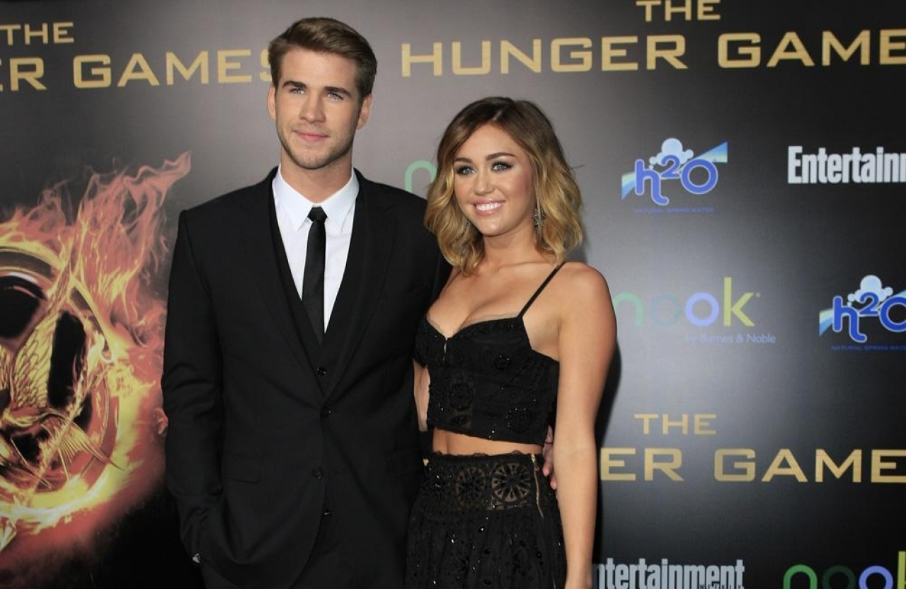 Miley Cyrus incontri Liam Hemsworth 2013