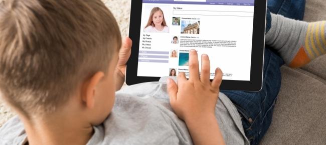 Ticinonline - Facebook e Whatsapp vietati ai minori di 16 anni  A qualcuno  l idea piace 6675d298cfb85