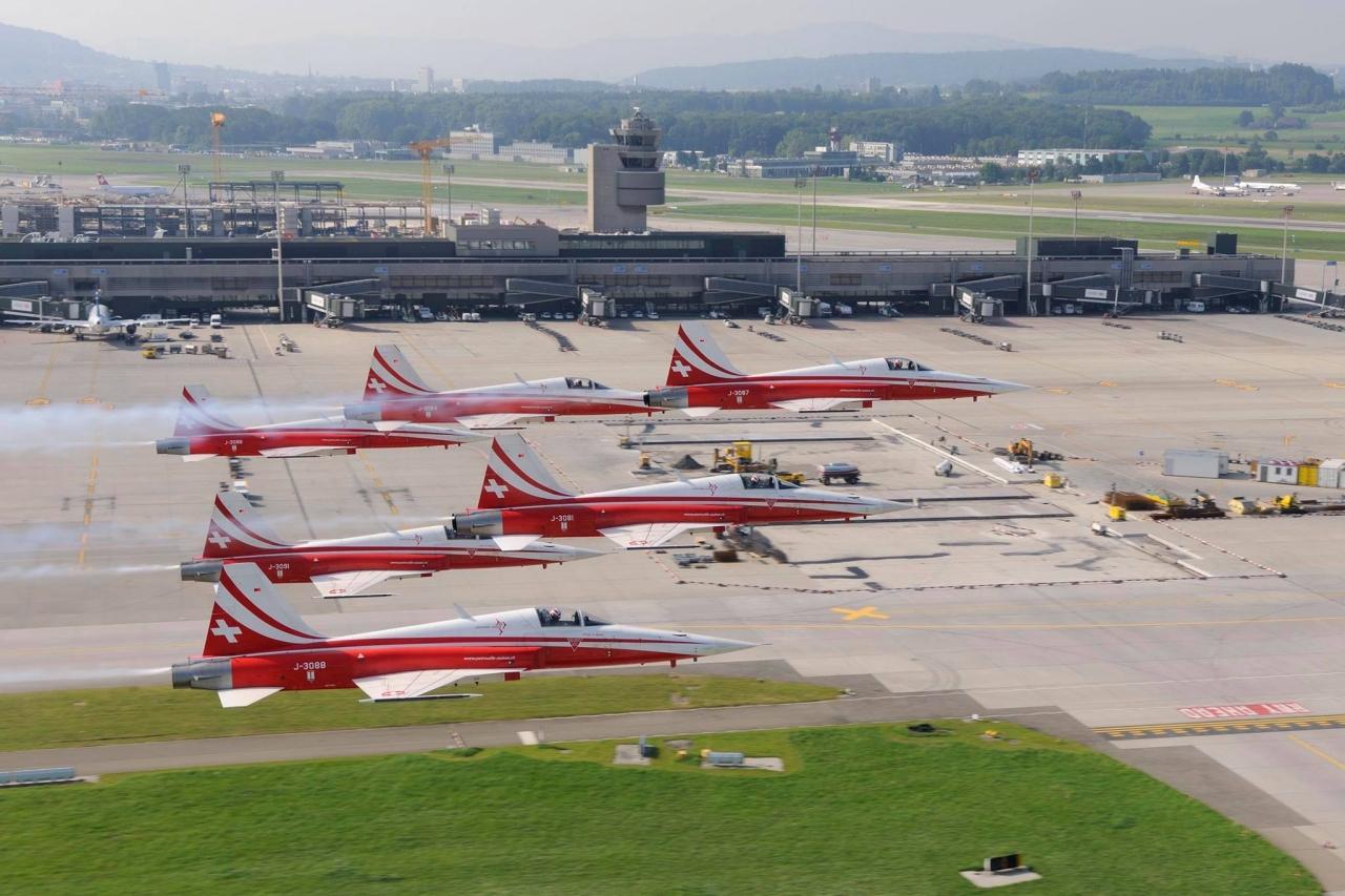 Aeroporto Zurigo Partenze : Ticinonline patrouille suisse paralizza l aeroporto di zurigo