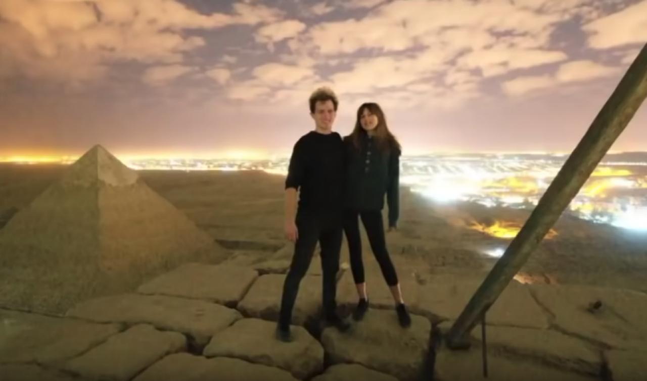 Rapporto sessuale in cima alla piramide di Cheope, il video indigna l'Egitto