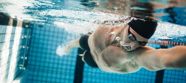 0d9056ffbe91 Nuoto ed esercizi in palestra con i pesi - Ticinonline