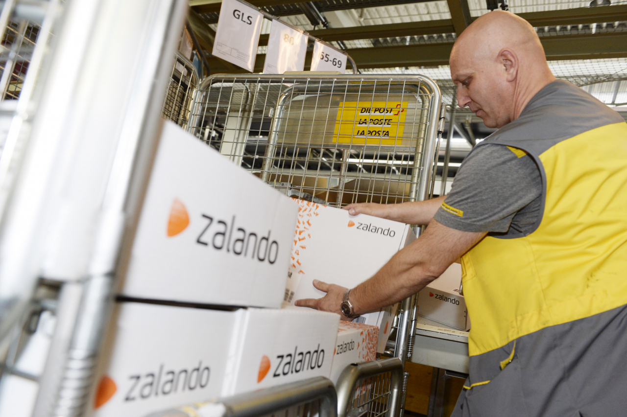 vendita calda autentica ordine retrò Ogni anno dieci milioni di pacchi tornano a Zalando - Ticinonline