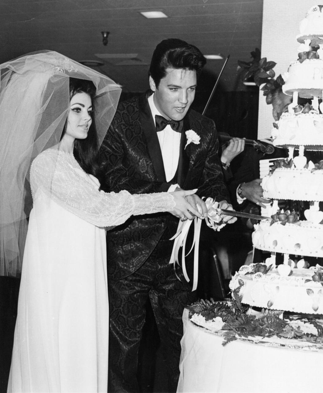 dopo 7 anni di incontri si sono legalmente sposati FRIGIDAIRE Ice Maker sesso