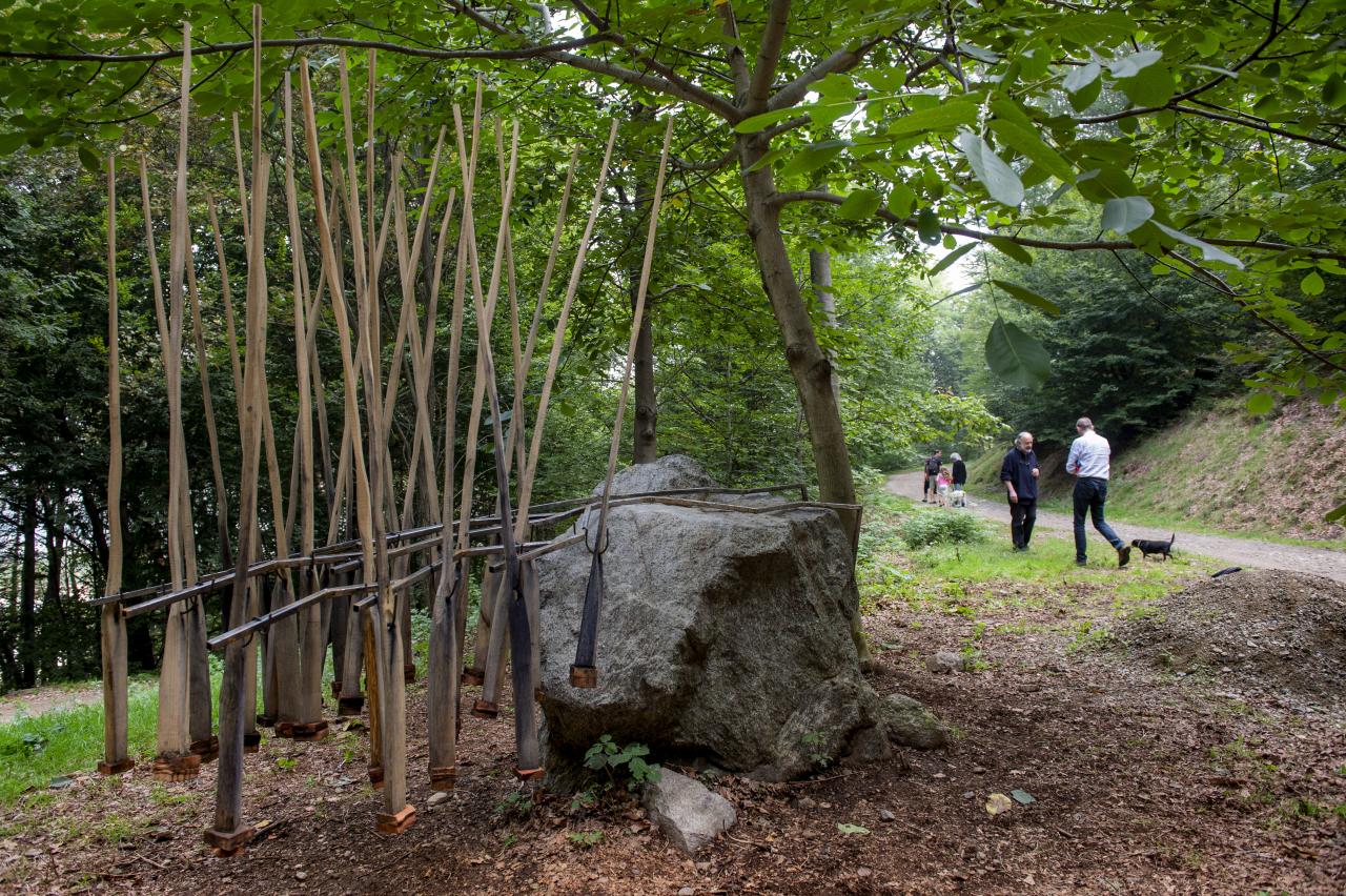 Alessandra Aita un atelier a cielo aperto nei boschi di san clemente