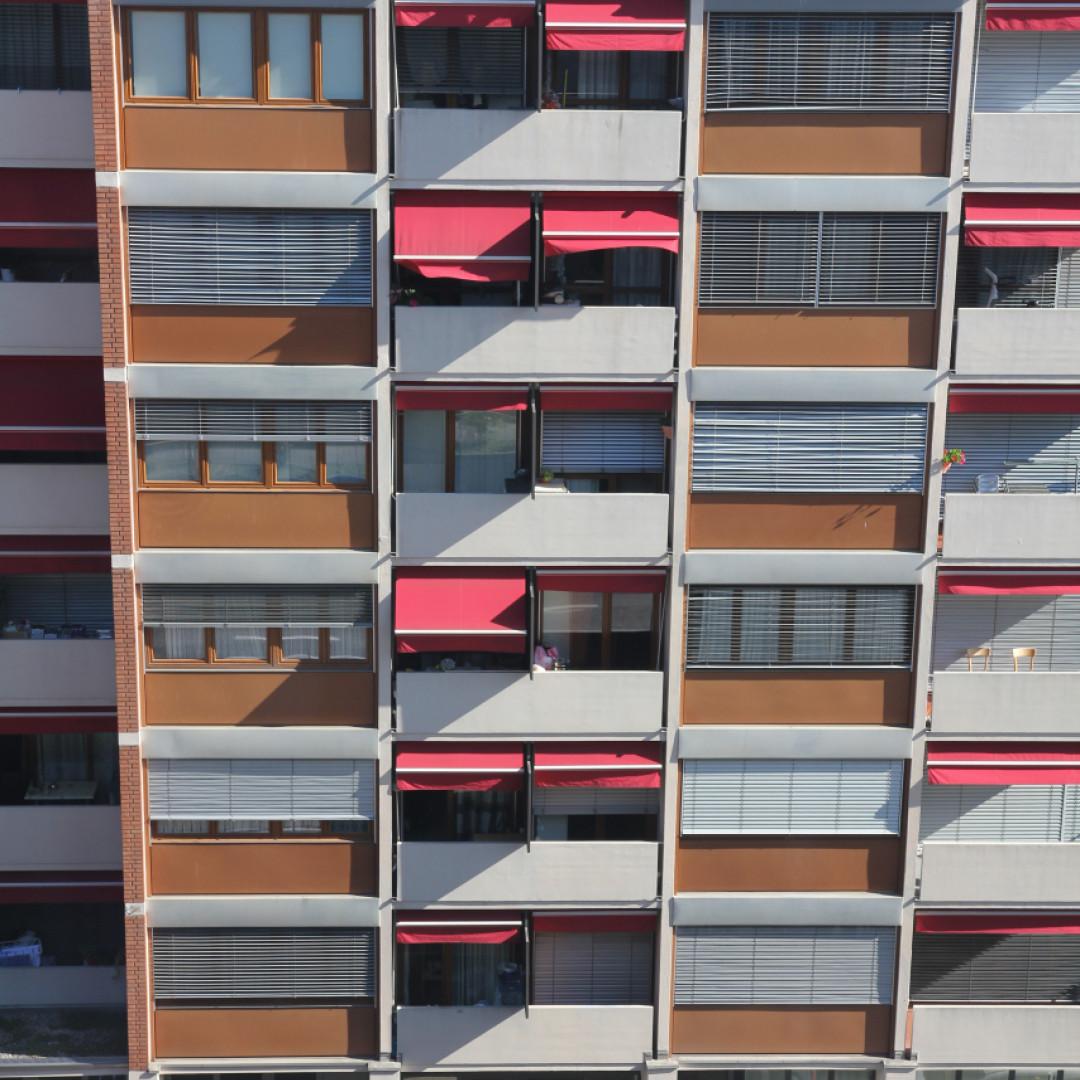 Carpentieri Edili In Svizzera lavorereste così, a sette piani dal suolo? - ticinonline