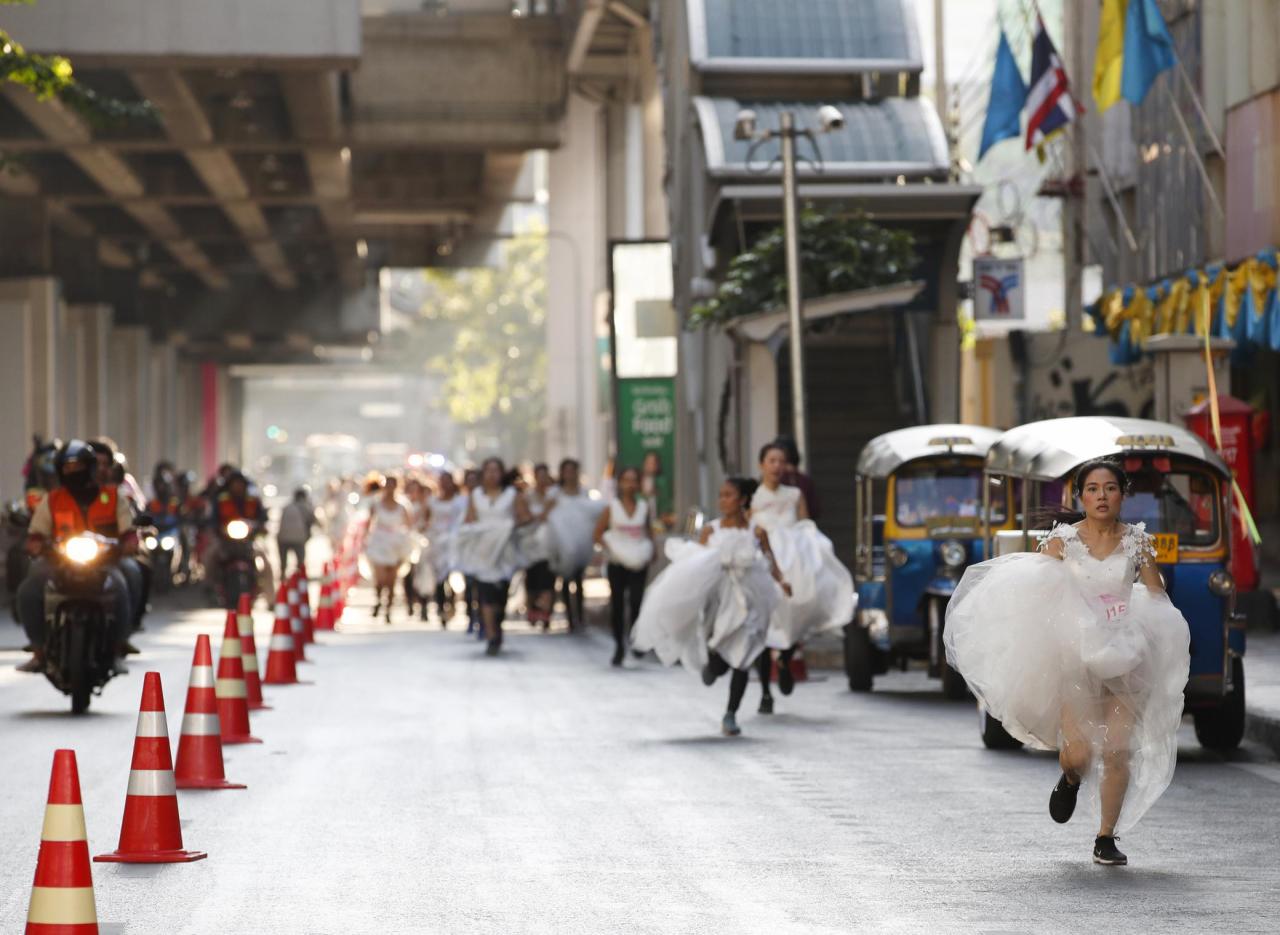 -a-bangkok-si-e-disputata-la-corsa-delle