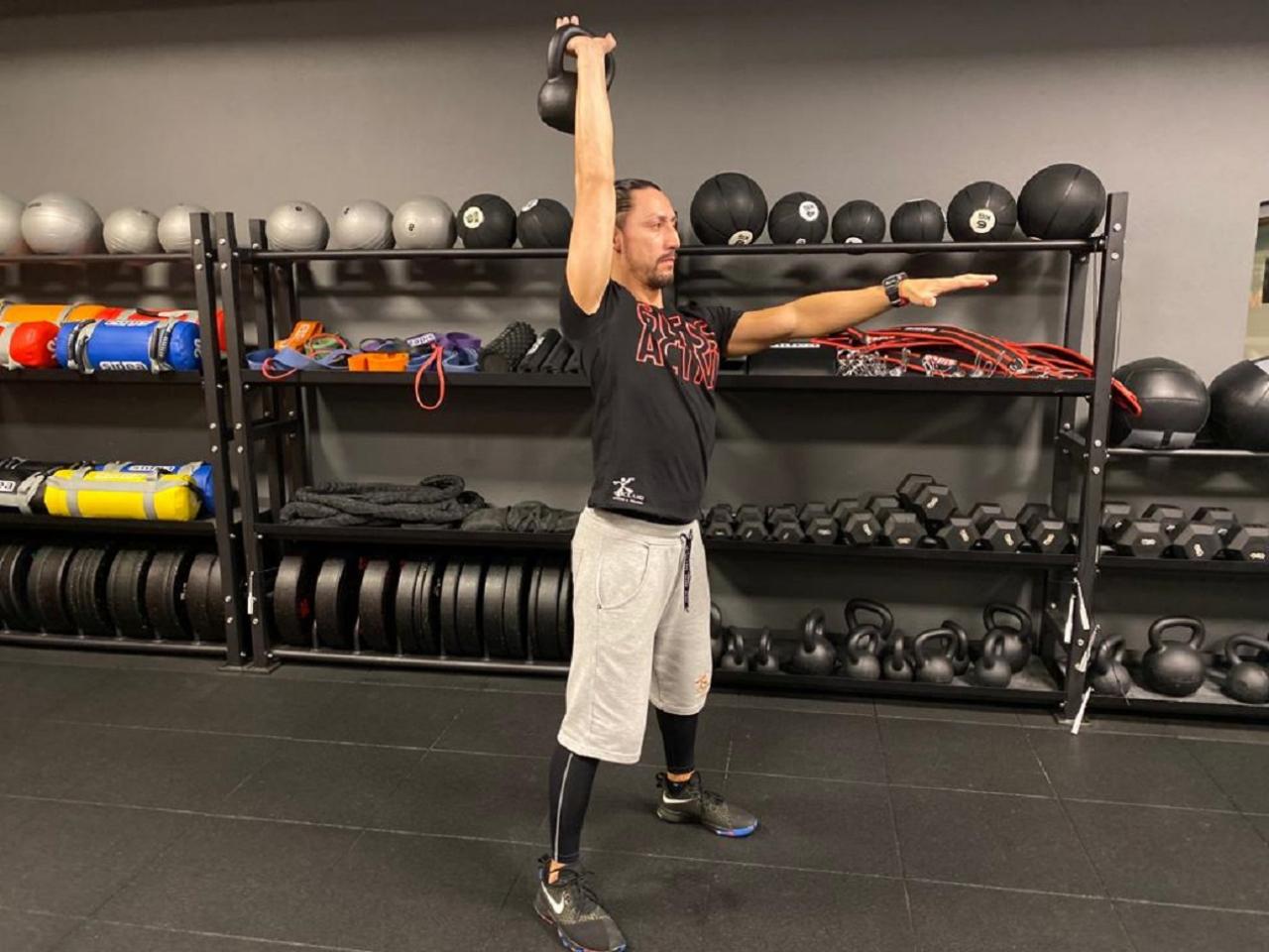 allenamento kettlebell e brucia grassi