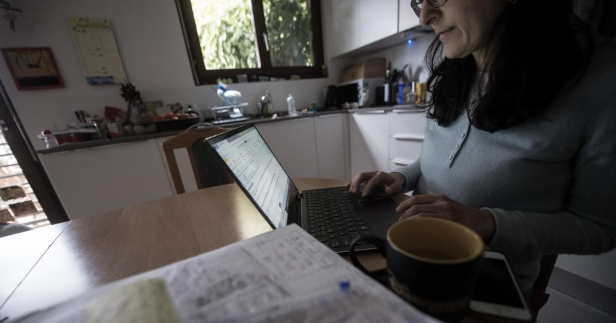 lavorare a casa svizzera day trading su criptovaluta