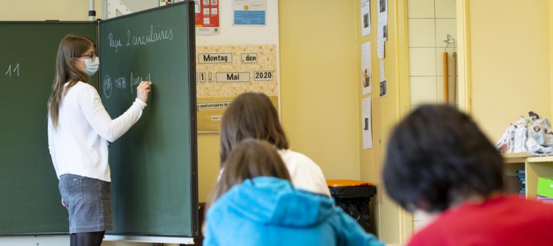 Obbligatorio per i docenti l'uso delle mascherine negli spazi condivisi -  Ticinonline